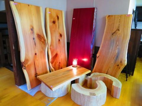 天然無垢板のテーブル、販売始めました!