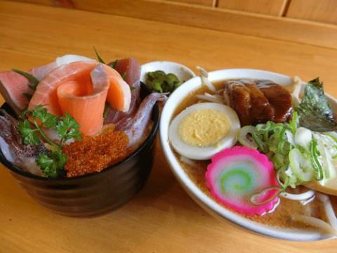 味噌ラーメン海鮮丼セット♪