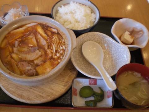 明日は熱々のキムチ鍋定食♪