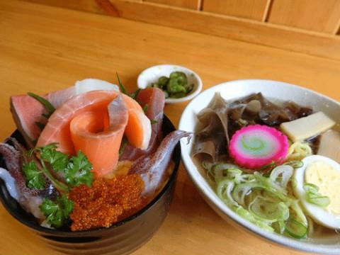 塩ラーメン海鮮丼セット800円♪
