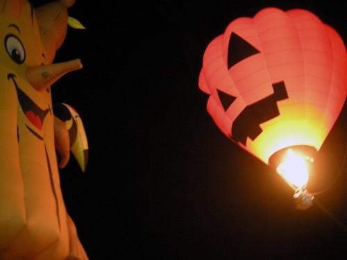 気球大会の写真を掲載