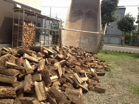札幌周辺への薪の配達