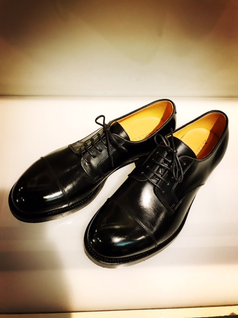 BACKBONE DERBY SHOES。