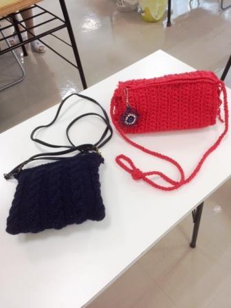 手編みのショルダーバック