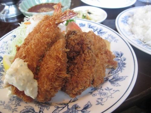 ミックスフライ定食(レストランまなべ)