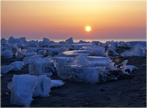 大津、十勝川河口の流氷