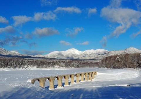 糠平のタウシュベツ橋梁