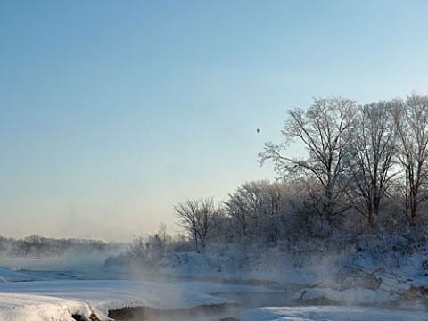 毛嵐と霧氷の朝のフライト