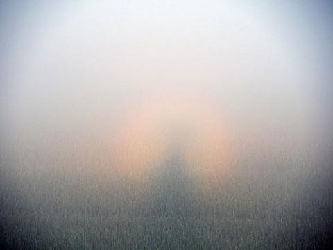 白虹の中のブロッケン現象