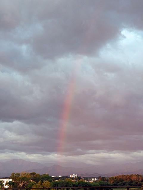 今朝の虹と朝焼け