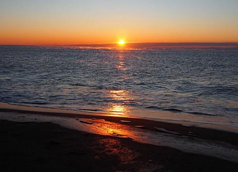 海の日の出は尺別で