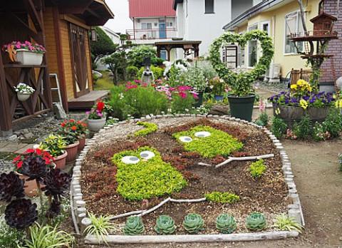 今年もきれい花さん家の花壇