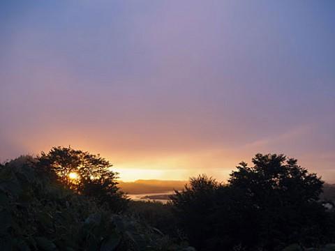 朝陽は音更側から撮影