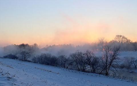 東の川で霧氷と光芒