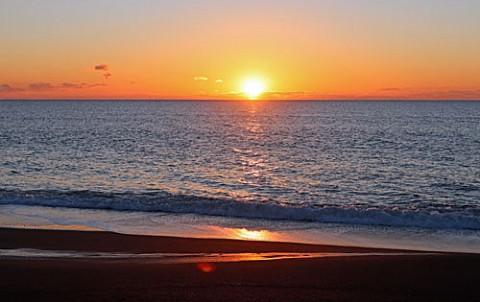 尺別の海での日の出