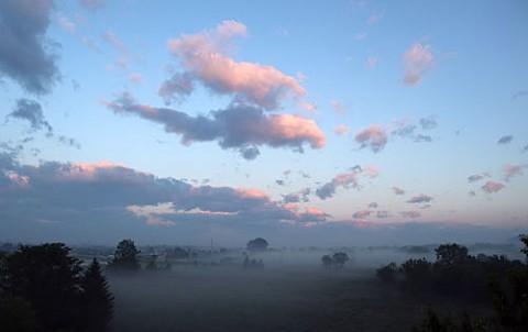 すずらん大橋から朝霧と光芒