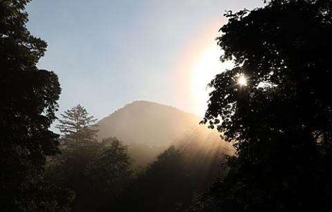 朝霧光芒と幻日