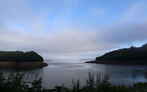 糠平湖とタウシュベツ