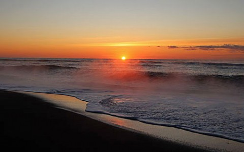 尺別の海の日の出