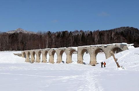 タウシュベツ橋梁とキノコ氷