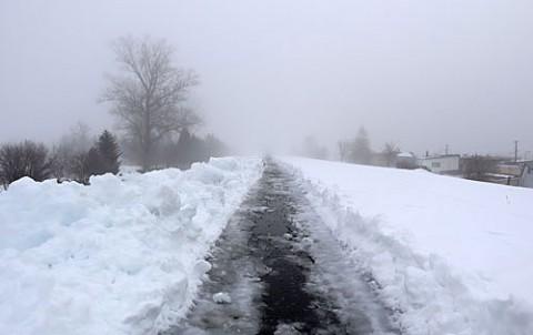 濃霧の朝の展望台