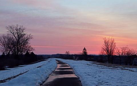 雪が少なく日の出が早くなりました