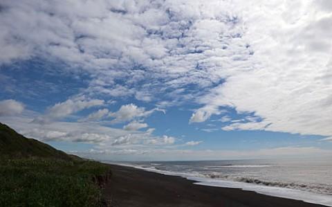 湧洞の海と空は青かった