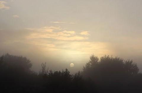 狙いは外れた朝陽光芒
