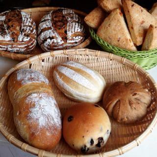 4月11日 本日のパン