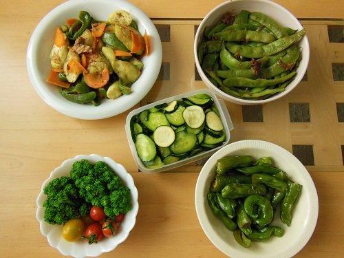 我が家の畑の野菜と、頂き物の野菜でいろいろ作ってみました