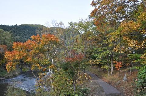 10月3日 滝上町 今日の渚滑川渓谷遊歩道錦仙峡・・・1