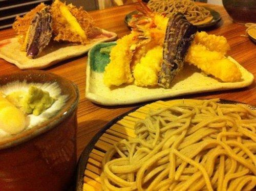 大人気は 天ぷらです