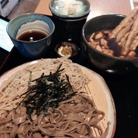 大人気!!新感覚のお蕎麦 平打蕎麦 とろろ・カレー系で