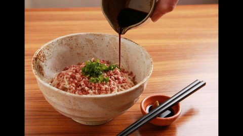 十勝 美味 新グルメ『牛トロうどん』が東京で大好評