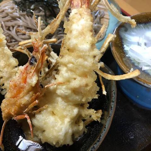 琉球 宜野座産 車エビの天婦羅が人気です