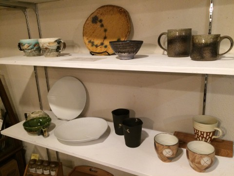 常滑焼などの陶器を仕入れて来ましたよ。