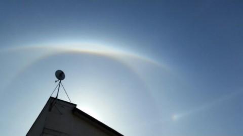 すごかった~!!大きなわっかと虹の「幻日環」