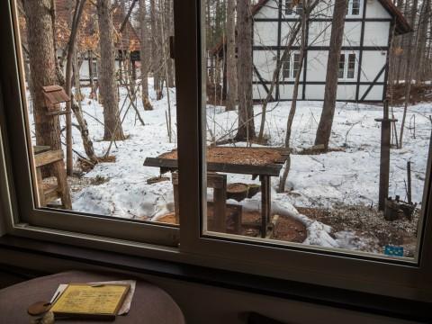 1週間振りに営業再開・・でもまだ雪は残っています。