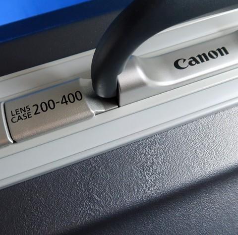 新装備 キヤノン EF200-400mm F4L エクステンダー 1.4×