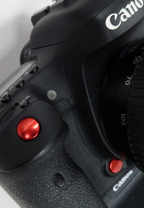 キヤノン 7D markⅡ 赤ボタン