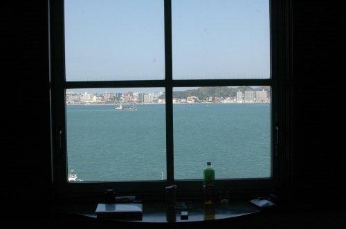 海峡に面する窓から・・・フネきちの一日