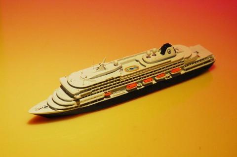 1/1250コーナーから客船模型。