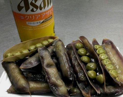 ツタンカーメンのエンドウ枝豆で晩酌