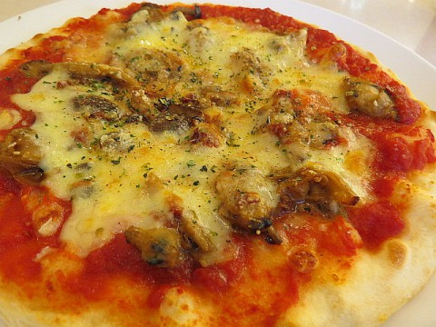 六花亭今月のピザ