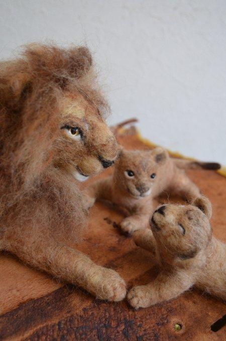 ライオンの親子 ついに!うまれたよ