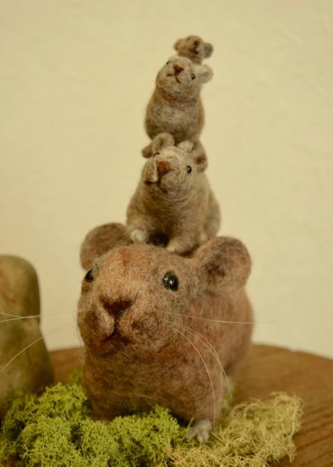 段々重ねのナッキー^^ 羊毛フェルトのナキウサギ
