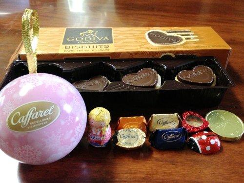今日のお土産「ゴディバ、カファレルのチョコレート」
