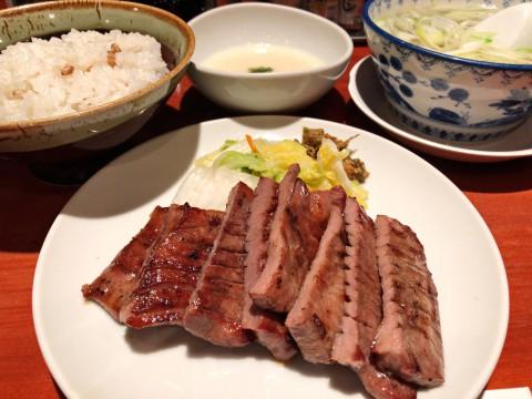 仙台市「たんや善治郎 牛たん通り店」