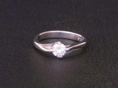 オーダーメイド! お母さんから譲りうけたダイヤモンドで婚約指輪を!