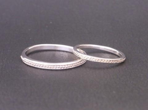 「永遠の絆」の象徴、ダイヤモンドの華奢なペアリング!